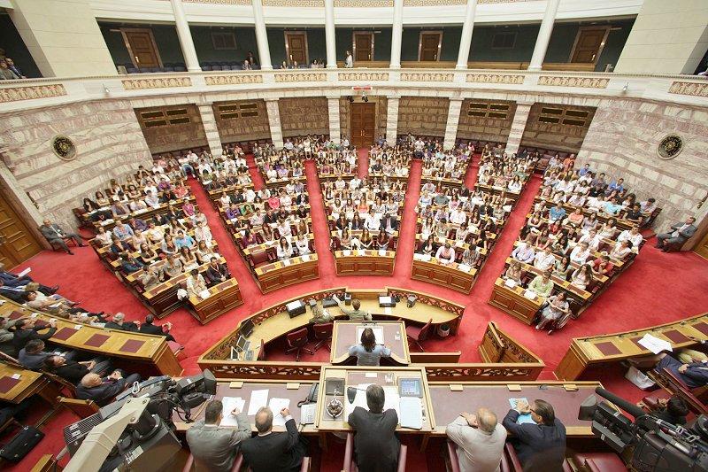 Ψηφίζεται ο πρώτος μετα-μνημονιακός προϋπολογισμός