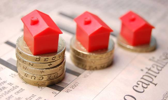 Στο 50% πουλάνε οι Κύπριοι τα «κόκκινα» δάνεια και όχι στο 3% με 5% που τα δίνουν οι τράπεζές μας