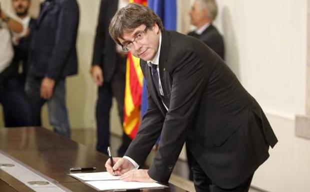 Ο Ισπανός πρωθυπουργός θα ανακοινώσει μέτρα κατά της Καταλανικής δήλωσης ανεξαρτησίας