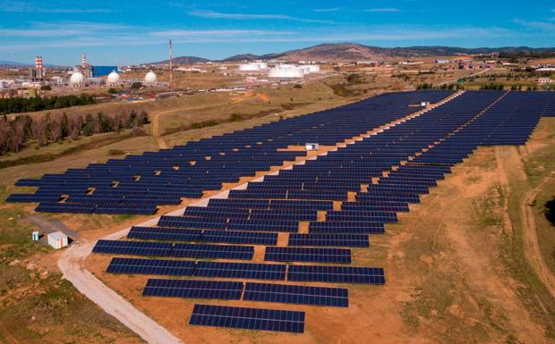 Σε δοκιμαστική λειτουργία τρία νέα φωτοβολταϊκά πάρκα από την «ΕΛΠΕ ΑΝΑΝΕΩΣΙΜΕΣ»