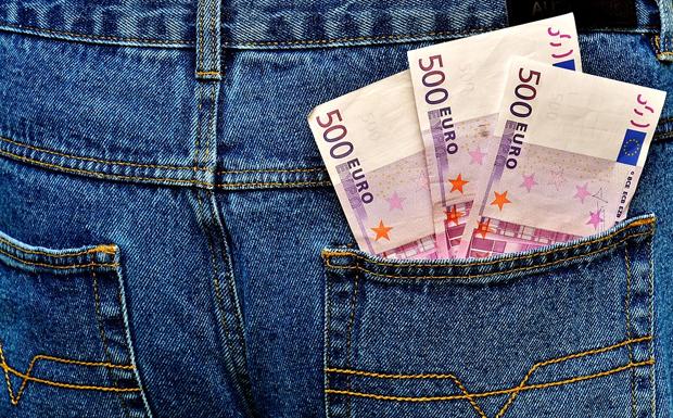 Ο Γερμανός πλουτίζει από τον Έλληνα, που αγοράζει γερμανικά προϊόντα