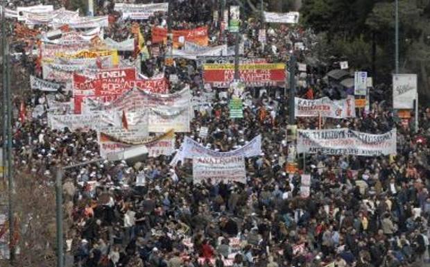 Το 50%+1, που μπλοκάρει την απεργία, έβγαλε στο κλαρί το ΚΚΕ