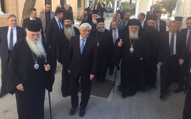 Σε διαφορετικούς τόνους για το Σκοπιανό είναι ο Πρόεδρος της Δημοκρατίας
