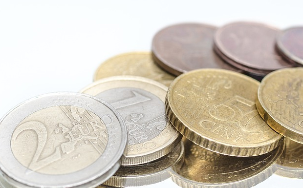 Δάνεια 1,9 δισ. με εξασφαλίσεις πούλησε η Τράπεζα Πειραιώς για 430 εκατ. ευρώ!