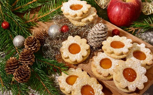 Έθιμα της Πρωτοχρονιάς: Το αμίλητο νερό, η καλή χέρα και τα σούρβαλα-σούρβαλα