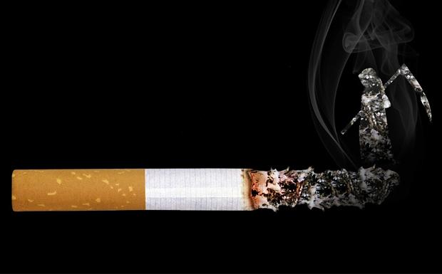 3,4 δισ. ευρώ στοιχίζει το τσιγάρο!