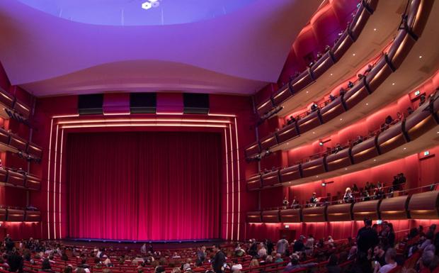 Νέα εποχή για το ιστορικό θέατρο Ολύμπια στα χέρια του δήμου Αθηναίων