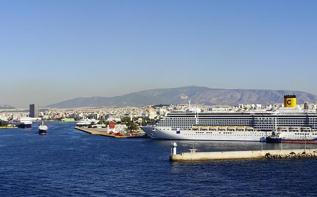 Ο λαός του Πειραιά έχει απομακρυνθεί <br>από τους πολιτικούς απατεώνες