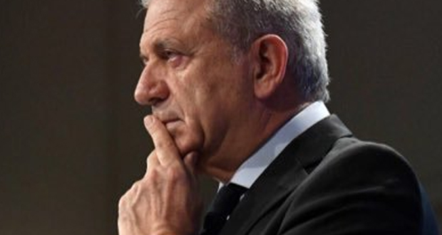 Και… τραγουδιστής  ο Αβραμόπουλος