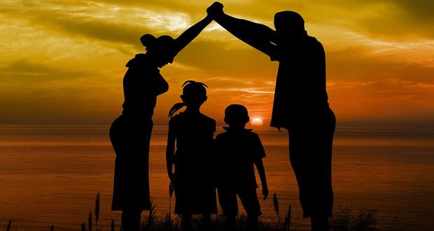 Η οικογένεια παραμένει ο πιο αξιόπιστος θεσμός, λέει το 74%!