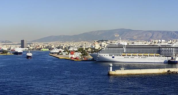 Στο υπουργείο Ναυτιλίας πέταξε το… μπαλάκι η Cosco για τις επενδύσεις στο λιμάνι!