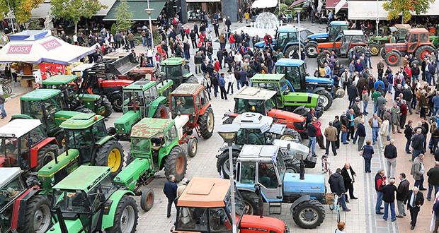 """""""Ζεσταίνουν"""" τα τρακτέρ τους οι αγρότες για κινητοποιήσεις πριν από τις γιορτές – Τα αιτήματα"""