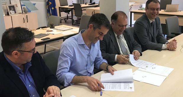 Κώστας Μπακογιάννης: Να είμαστε η πρώτη περιφέρεια που θα ξεκολλήσει από την μιζέρια και την οικονομική κρίση – Συμφωνία με ΣΕΒΕ