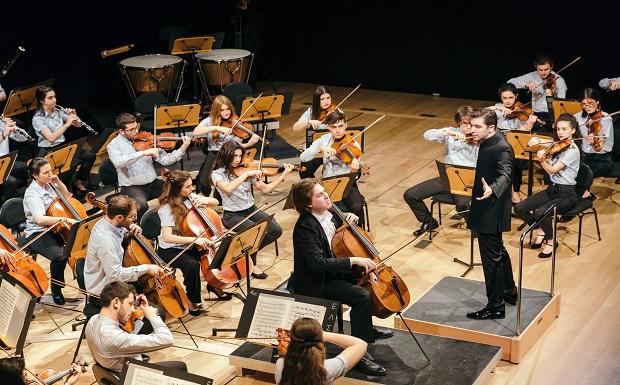 Η Ελληνική Συμφωνική Ορχήστρα Νέων πραγματοποίησε τη δεύτερη εκπληκτική συναυλία της, με τίτλο «Στυλ και Χορός στο Πέρασμα του Χρόνου»