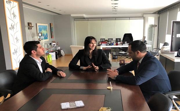 Συνάντηση της Υπουργού Τουρισμού Έλενας Κουντουρά με τον Δήμαρχο Μυκόνου Κ. Κουκά…