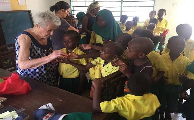 Είναι 93 χρόνων η Ιταλίδα Ίρμα και δεν δίστασε να ταξιδέψει στην Κένυα…