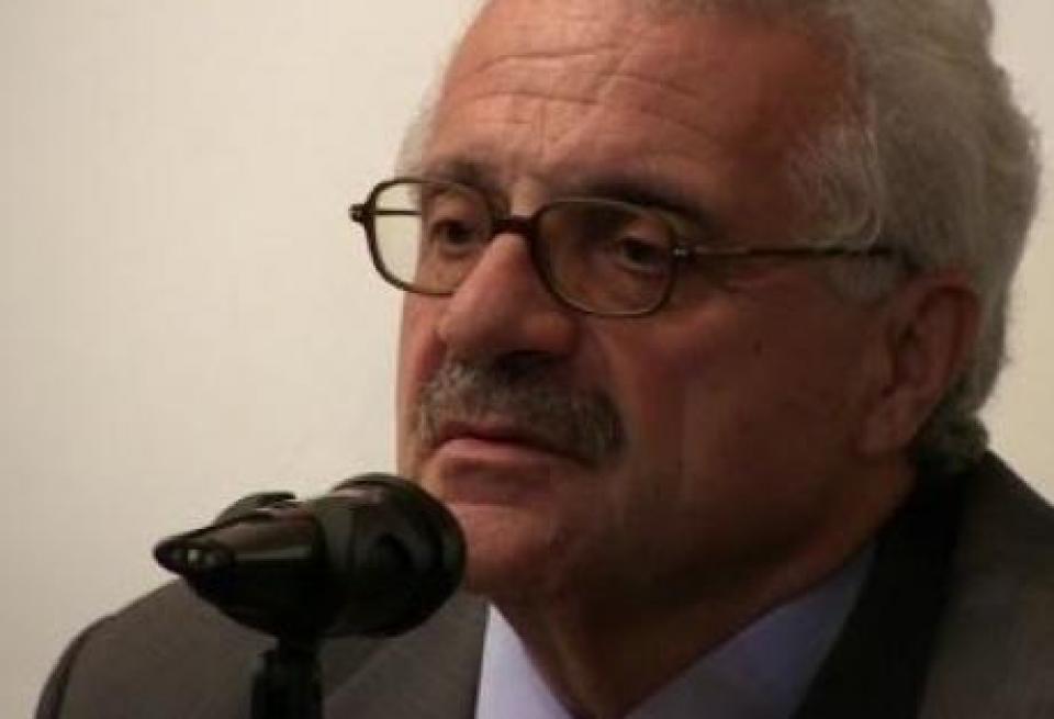 O Κώστας Καζαμιάκης συνομιλεί με τον Παναγιώτη Νούτσο στον Ιανό