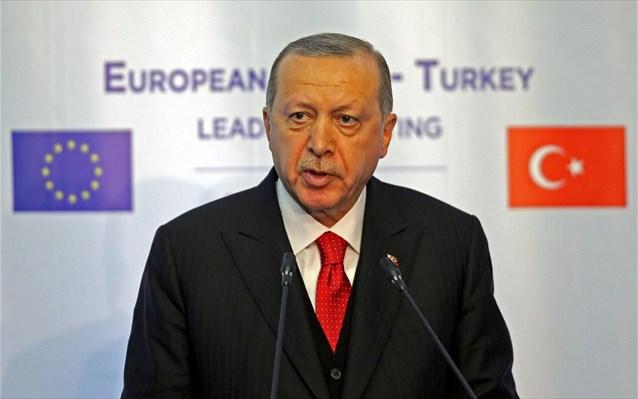 Ερντογάν: Συσχετίζει τους δύο στρατιωτικούς με τους οκτώ Τούρκους