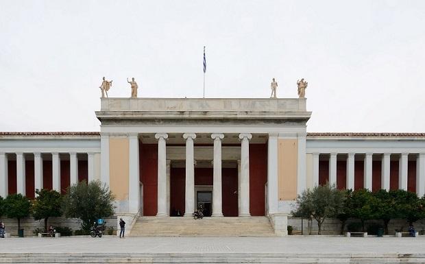 Χορεύοντας στο Εθνικό Αρχαιολογικό Μουσείο