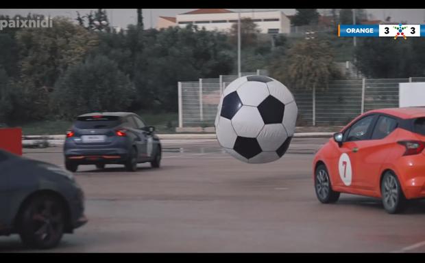 Γκολ με… τέσσερις τροχούς – Μια μοναδική ποδοσφαιρική έκπληξη από τον ΟΠΑΠ