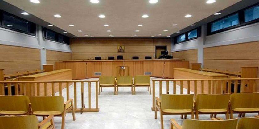 Συμβασιούχοι: Ποιοι παραμένουν, ποιοι απολύονται – Νέες δικαστικές αποφάσεις