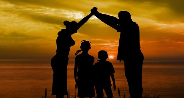 Να αγκαλιάσουμε τα παιδιά μας
