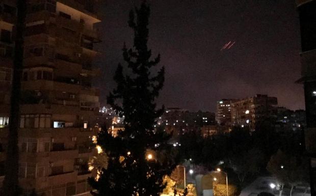 ΗΠΑ, Γαλλία, Βρετανία χτύπησαν στόχους στη Συρία