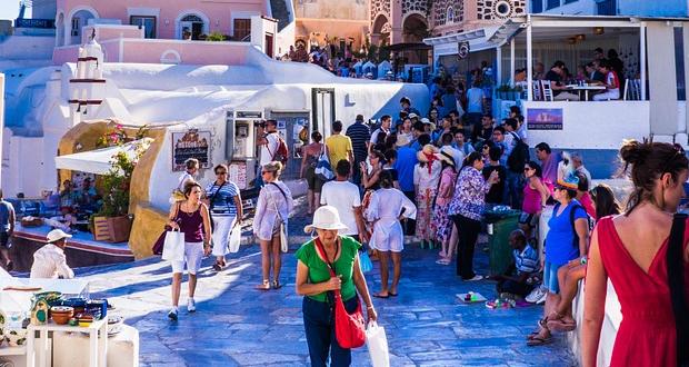Μειώστε τους φόρους στον τουρισμό για να είμαστε ανταγωνιστικοί…