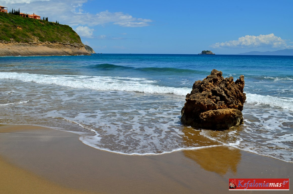 H παραλία του Άι Χέλη (εικόνες)