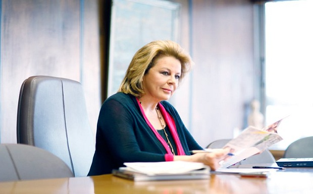 """Λούκα Κατσέλη στο """"Π"""": Επείγουσα ανάγκη η αντιμετώπιση της υπερχρέωσης"""