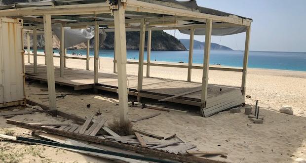 Μπήκαμε αισίως στον Ιούνιο και ακόμα να λειτουργήσει οργανωμένα η παραλία του Μύρτου
