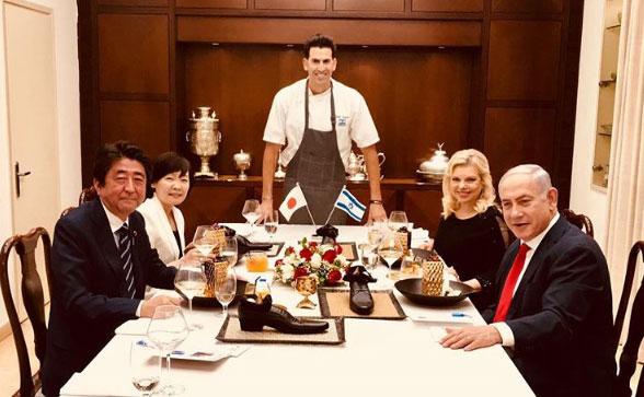 Έκπληκτο έμεινε το πρωθυπουργικό ζεύγος της Ιαπωνίας όταν κατά την επίσκεψή του στο Ισραήλ…