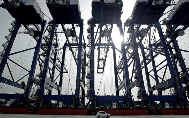 Πειραιάς: Τρεις νέες γερανογέφυρες για πλοία – γίγαντες