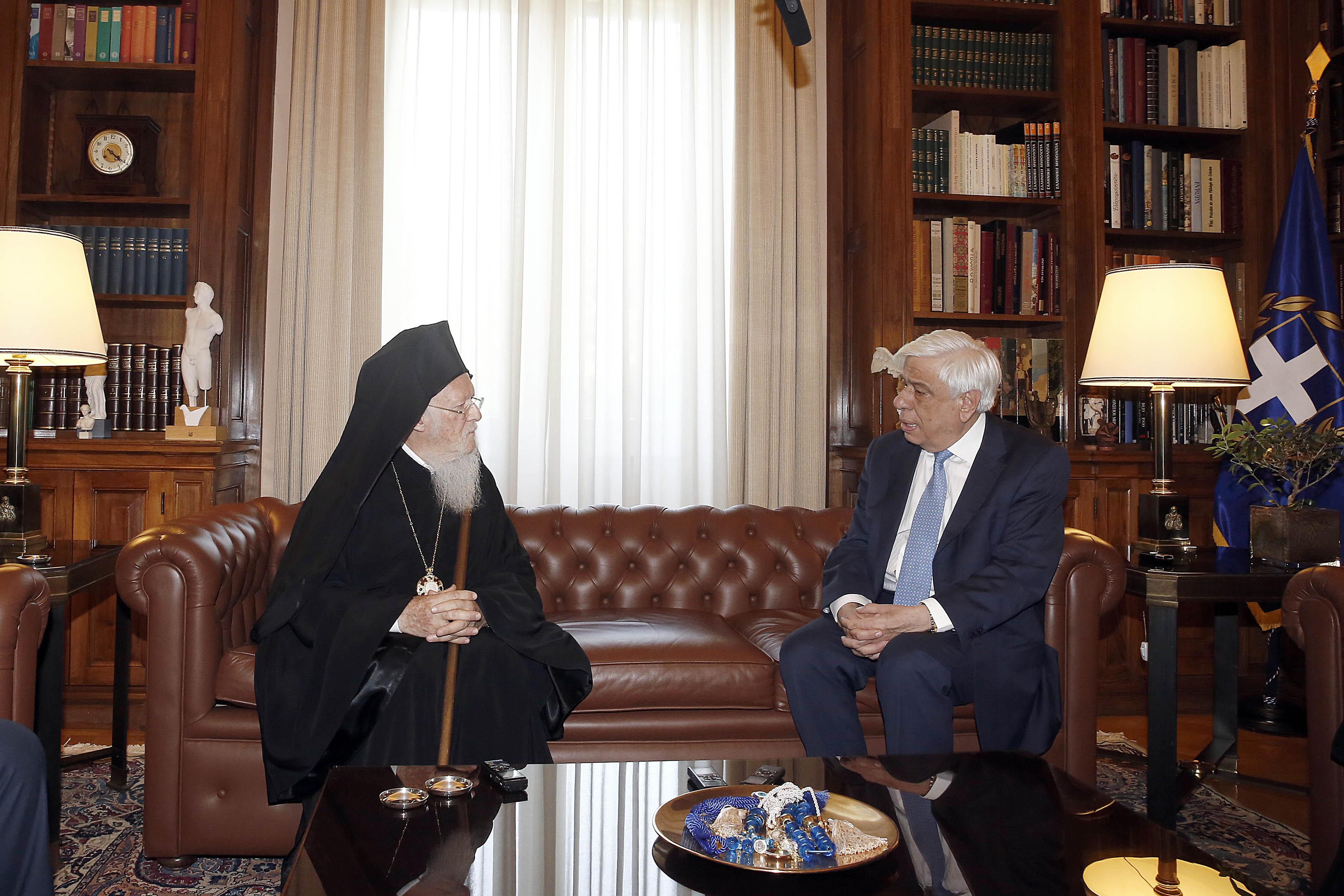 O Οικουμενικός Πατριάρχης κ. Βαρθολομαίος συναντήθηκε με τον Αρχιεπίσκοπο κ. Ιερώνυμο και τον ΠτΔ Προκόπη Παυλόπουλο