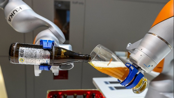 Έρευνα του ΑΠΕ-ΜΠΕ για τα βιομηχανικά ρομπότ στην Ελλάδα
