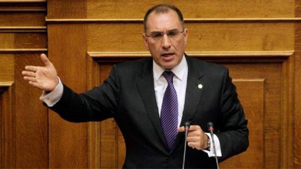 Την παραίτηση της Ρένας Δούρου ζητά ο Δημήτρης Καμμένος
