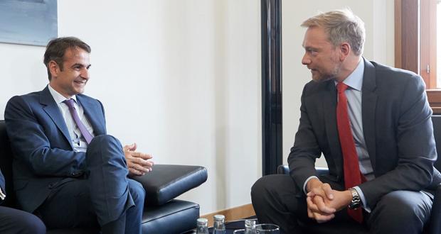 Έντονη η αντίδραση σχετικά με τις θέσεις για τις συντάξεις που φέρεται να εξέφρασε ο κ. Μητσοτάκης στις συναντήσεις με Μέρκελ και Σολτς