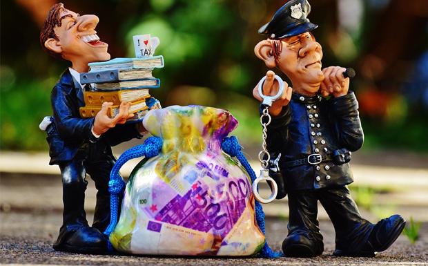 Πρώτη εξουσία η διαφθορά σε Δύση και Ανατολή…