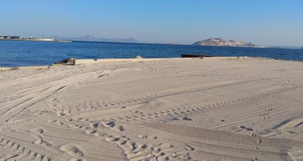 ΠΑΡΑΛΙΑ ΣΤΟ ΜΙΡΑ ΜΑΡΕ (ανάπλαση με 500 τόνους άμμου – φωτο)