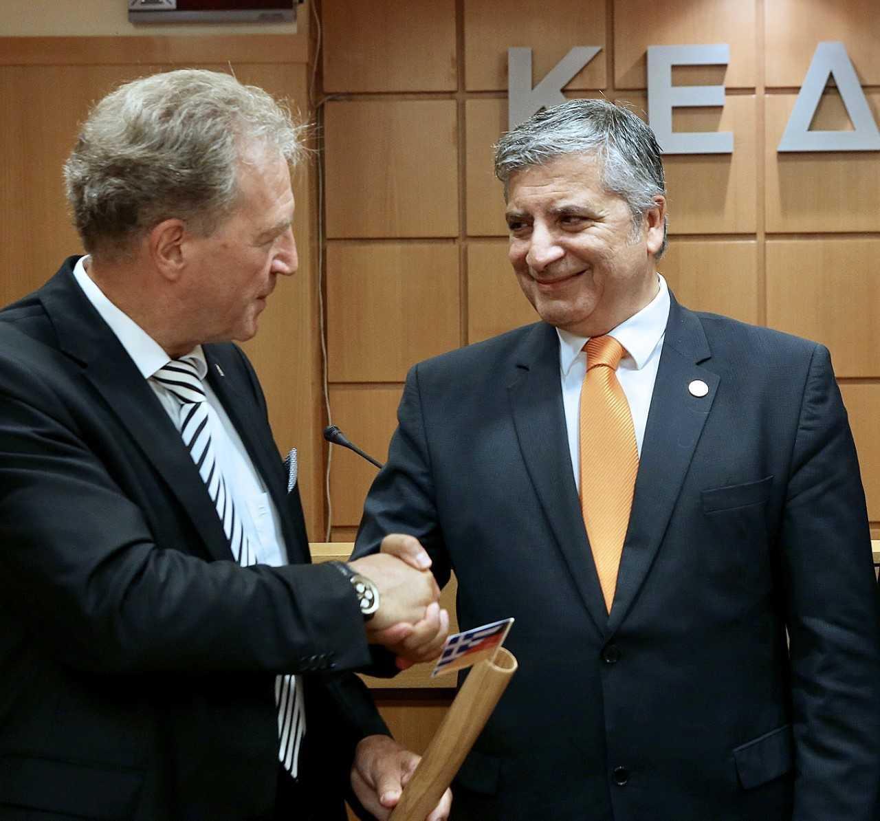 Συνάντηση του Προέδρου της ΚΕΔΕ Γ. Πατούλη με τον Κοινοβουλευτικό Υφυπουργό του Ομοσπονδιακού Υπουργείου Οικονομικής Συνεργασίας και Ανάπτυξης της Γερμανίας Νόρμπερτ Μπάρτλε