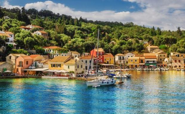 Παξοί: Ένα νησί για τον έρωτα του… Ποσειδώνα