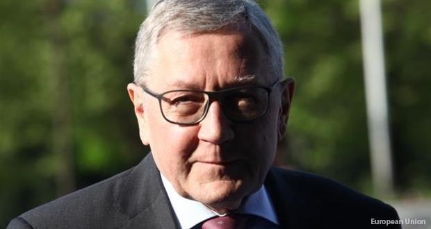 ΚΛ. ΡΕΓΚΛΙΝΓΚ: Αναστολή μέτρων για το χρέος αν «φρενάρουν» οι μεταρρυθμίσεις