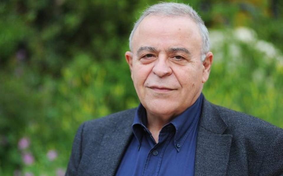 Απεβίωσε ο καθηγητής Συνταγματικού Δικαίου Σταύρος Τσακυράκης