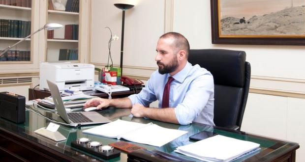 Δ. Τζανακόπουλος: Εντός του 2018 οι πρωτοβουλίες της κυβέρνησης για αυξήσεις μισθών