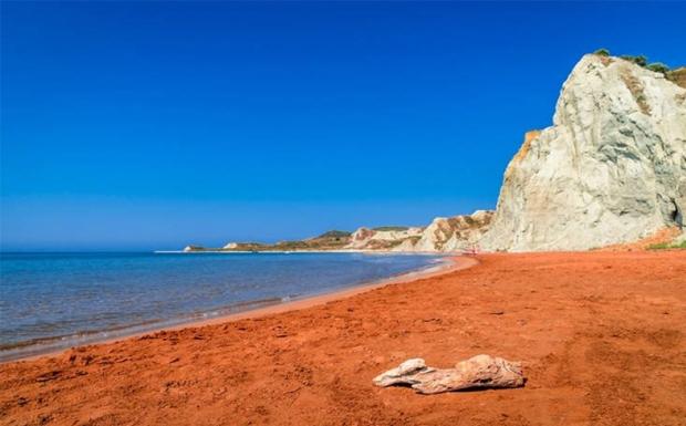 Η πορτοκαλί άμμο του «ΞΙ»