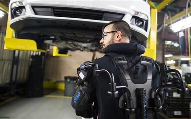 Εξωσκελετοί σε 15 εργοστάσια της Ford
