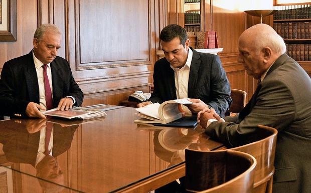Αλ. Τσίπρας: «Να ενισχύσουμε την πολιτική προστασία»