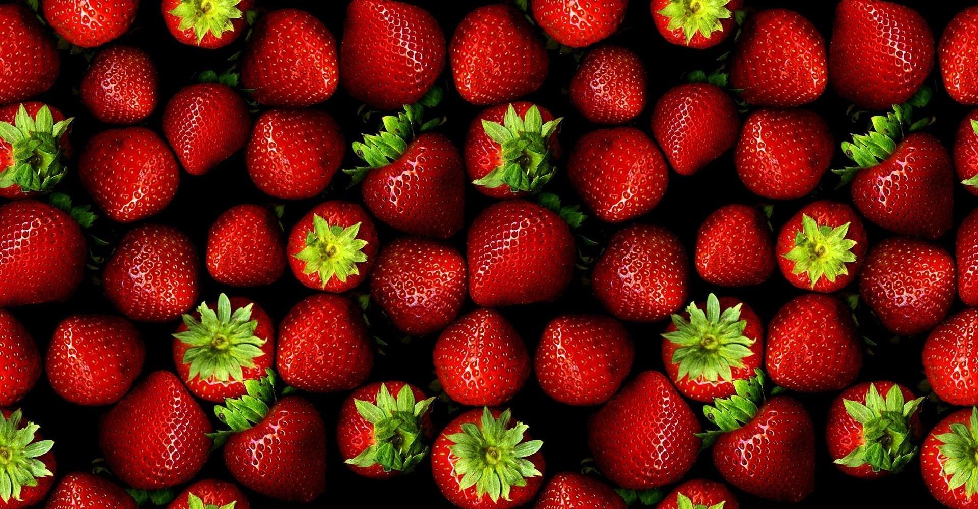 Αυτά είναι τα 12 πιο «βρόμικα» φρούτα και λαχανικά