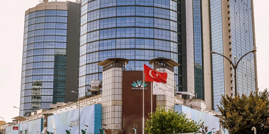 «Χαστούκι» στην Τουρκία – Την υποβάθμισαν Moody's και S&P