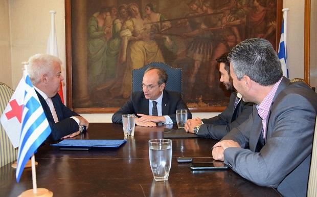 Επίσκεψη Δημάρχου Δυτικής Αχαΐας στον Πρόεδρο του Ελληνικού Ερυθρού Σταυρού στα Κεντρικά Γραφεία του Ε.Ε.Σ. στην Αθήνα